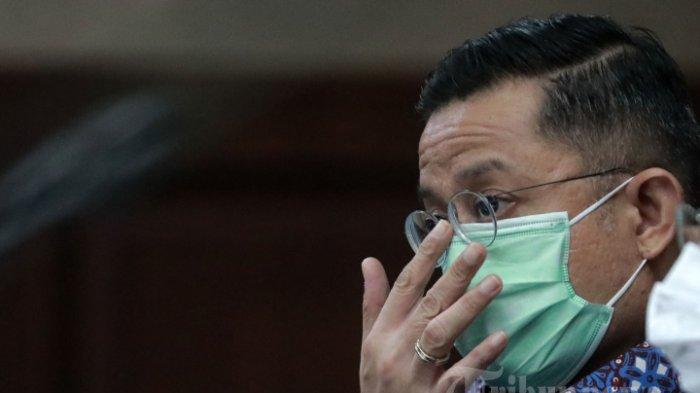 Terdakwa korupsi bansos, Juliari Batubara mengikuti sidang lanjutan di Pengadilan Tipikor, Jakarta Pusat, Senin (10/5/2021). Agenda sidang mantan Menteri Sosial tersebut adalah mendengarkan keterangan saksi yang salah satunya yaitu terdakwa korupsi bansos pula, Harry Van Sidabukke.