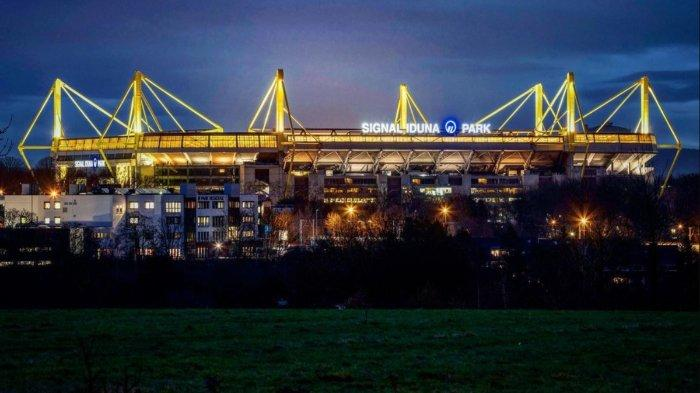 Stadion-Signal-Iduna-Park.jpg