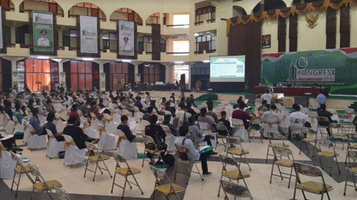 Suasana Kongres XXXI Himpunan Mahasiswa Islam (HMI) di Surabaya.