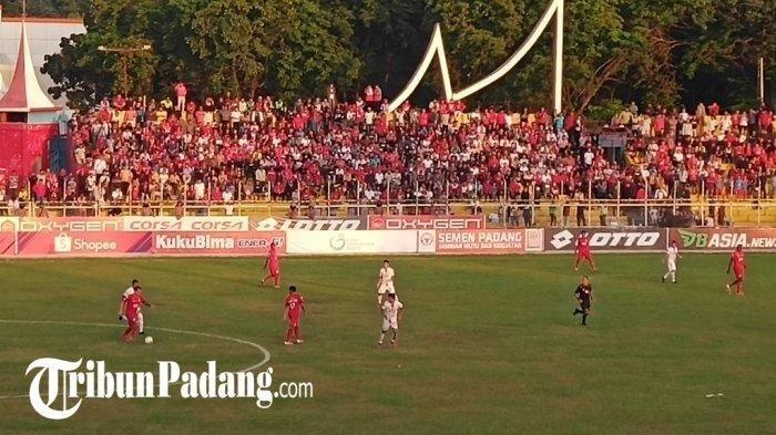 Supoter Semen Padang FC GOR H Agus Salim Padang saat Semen Padang