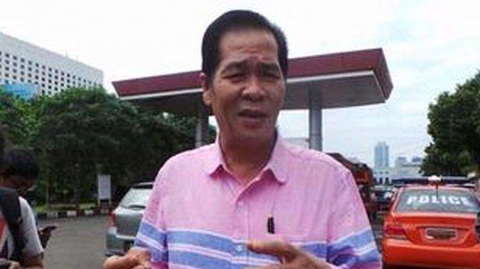 Ketua Persatuan Islam Tionghoa Indonesia (PITI) Ramdhan Effendi atau lebih dikenal dengan nama Anton Medan Polda Metro Jaya menahan pengacara Farhat Abbas, Selasa (28/5/2013).