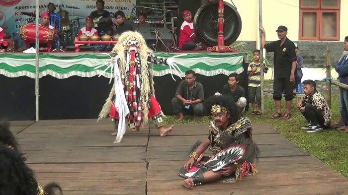 Tari Kendalen berasal dari Dusun Kendal, Desa Jetak Kecamatan Getasan Kabupaten Semarang.