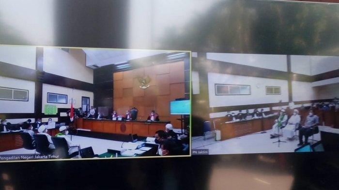 Tayangan proses sidang kasus tes swab Rizieq Shihab di RS UMMI Bogor yang digelar di Pengadilan Negeri Jakarta Timur, Rabu (14/4/2021).