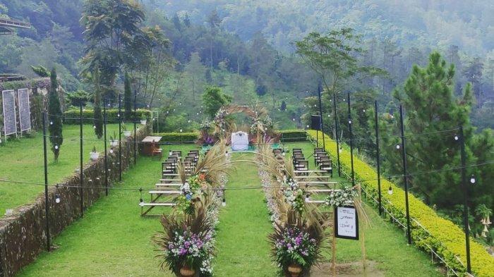 Taman di Umbul Sidomukti