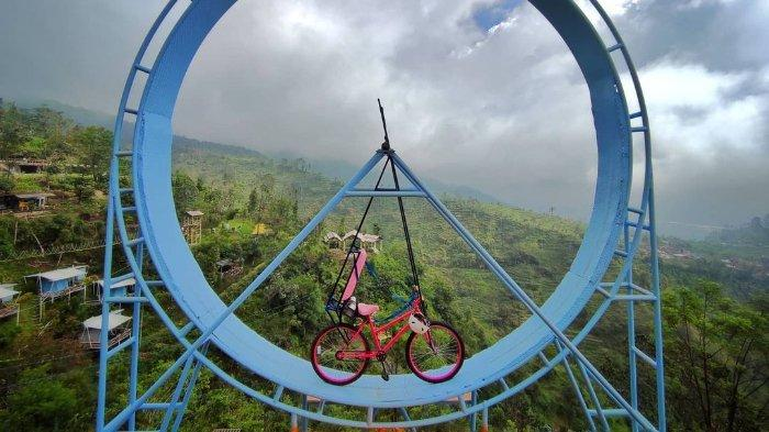 Wahana rolling bike di Umbul Sidomukti