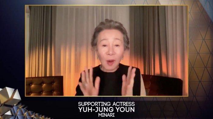 Youn-Yuh-Jung-Menjadi-Aktris-Korea-Pertama-yang-Menangkan-BAFTA.jpg
