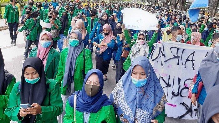 Aksi mahasiswa di Lhokseumawe, Kamis (8/10/2020).