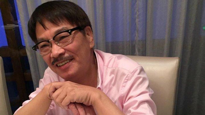 Aktor legendaris Hong Kong Ng Man Tat meninggal karena kanker hati pada usia 70 tahun di Hong Kong. Salah satu teman dekatnya, Tenky Tin Kai-man, mengatakan Ng meninggal pada pukul 17:16 di Rumah Sakit Union.