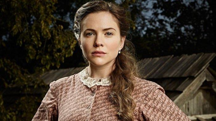 aktris-caitlin-custer-dalam-film-deliverance-creek-2014.jpg
