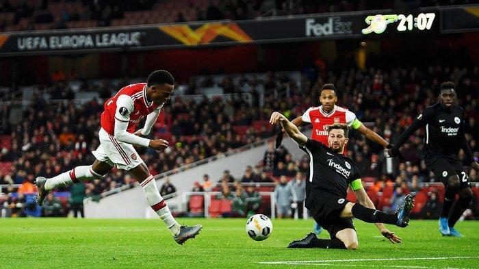 Joe Willock, gelandang muda Arsenal bermain dalam laga melawan Eintrach Frankfurt di laga lanjutan Grup F, Liga Europa, Kamis (28/11/2019).