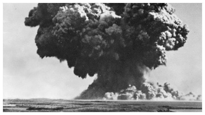 Awan jamur ledakan bom atom Inggris