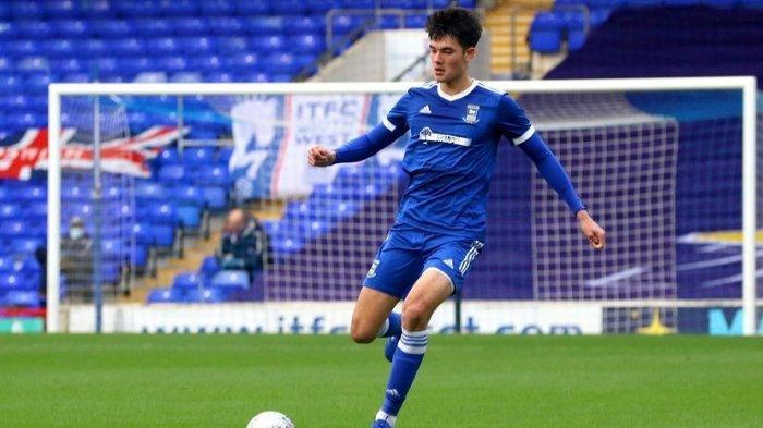 Elkan Baggott, bermain di Ipswich Town.