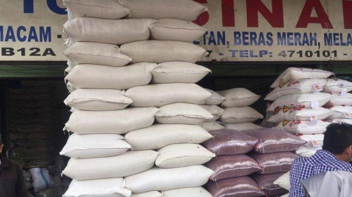 Stok bahan pokok beras yang dijual di pasar (Dok. Humas Kementan)