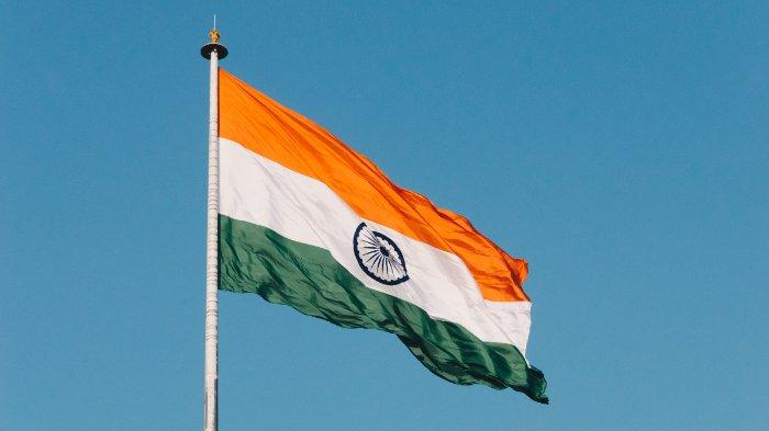 bendera-india-berkibar-46435.jpg