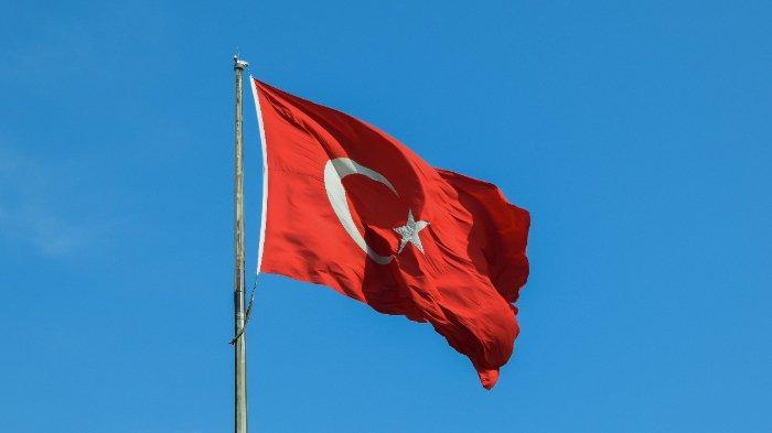 bendera-turki-berkibar-di-istanbul-56.jpg
