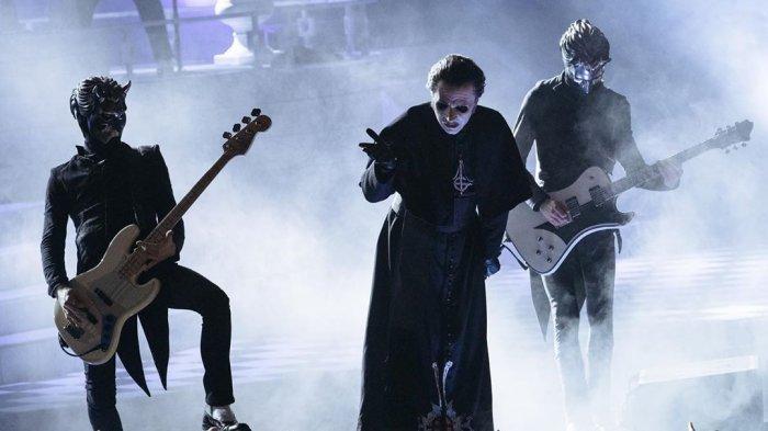 berikut-chord-kunci-gitar-termudah-dan-link-download-lagu-dance-macabre-oleh-ghost.jpg