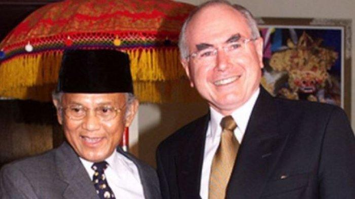 Presiden BJ Habibie dan PM John Howard bertemu Nusa Dua, Bali, pada 27 April 27 1999, untuk membahas situasi di Timor Timur.
