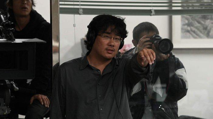 Bong Joon Ho memutuskan untuk menjadi sutradara ketika masih di bangku SMP.