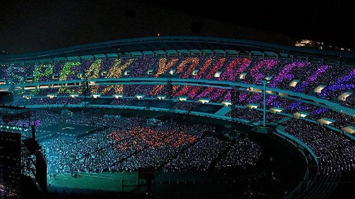 Konser Final BTS Love Yourself: Speak Yourself di Seoul Berurai Air Mata