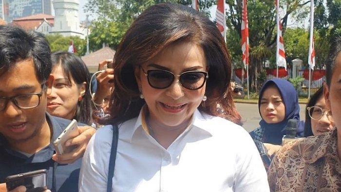 Bupati Minahasa Selatan Christiany Eugenia Paruntu ikut mendatangi Istana Kepresidenan, Jakarta, Senin (21/10/2019) pagi.
