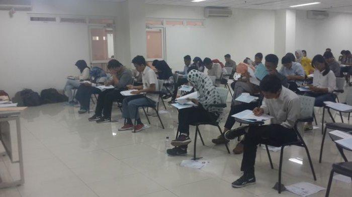 calon-mahasiswa-baru-melaksanakan-ujian-sbmptn-2017.jpg