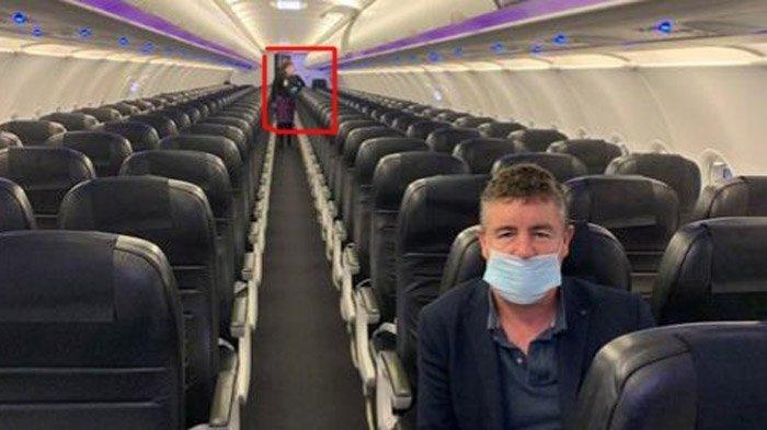 cameron-bagrie-yang-terbang-dalam-pesawat-yang-hanya-ada-2-penumpang.jpg