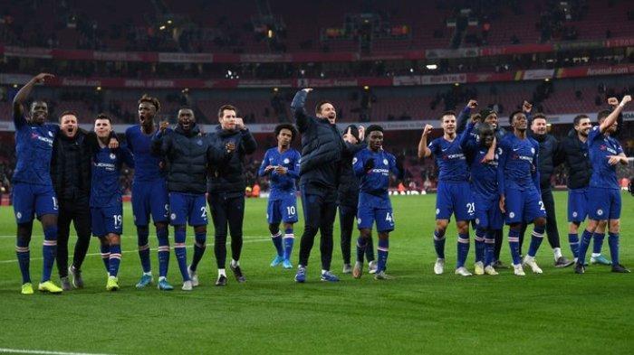 Selebrasi skuat Chelsea pasca mengalahkan Arsenal di Stadion Emirates, Minggu (29/12/2019).