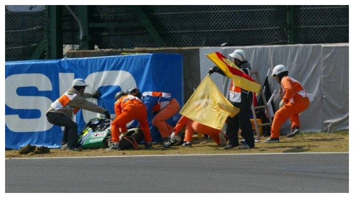 Daijiro Kato mengalami kecelakaan di GP Jepang 2003
