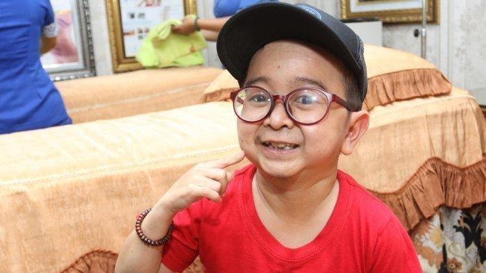 daus-mini-dikenal-sebagai-aktor-sekaligus-komedian-indonesia-2.jpg