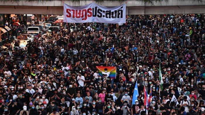 demonstrasi-di-thailand-122.jpg