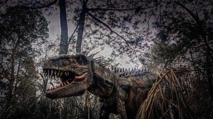 dinosaurus-yang-berinteraksi-dengan-wisatawan-di-tempat-wisata.jpg