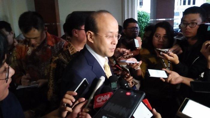 Duta Besar China untuk Indonesia Xiao Qian usai menemui Menteri Kordinator Bidang Politik Hukum dan Keamanan (Menko Polhukam) Mahfud MD di Kantor Kemenko Polhukam Jakarta Pusat pada Kamis (16/1/2020).