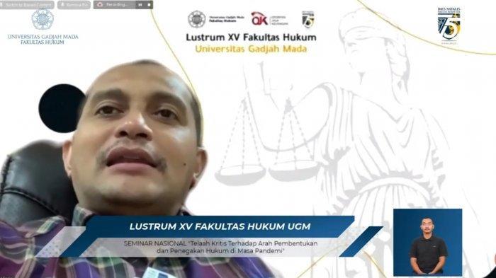 Wakil Menteri Hukum dan HAM RI Edward Omar Sharif Hiariej saat menjadi pembicara SEMINAR NASIONAL