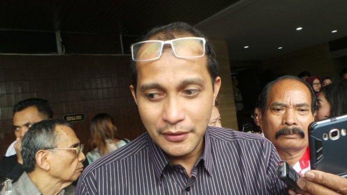 Guru Besar Fakultas Hukum Universitas Gadjah Mada Yogyakarta, Edward Omar Sharif Hiariej, saat menjadi saksi ahli hukum pidana pada persidangan kasus dugaan penodaan agama, di Auditorium Kementerian Pertanian, Ragunan, Jakarta Selatan, Selasa (14/3/2017).