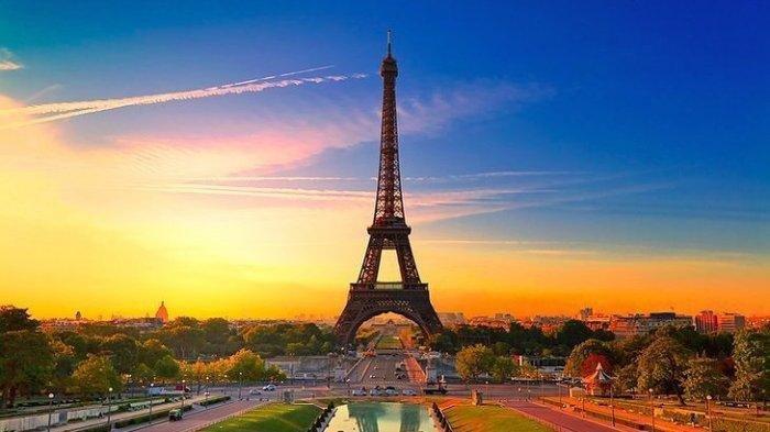 Menara Eiffel, Paris, Prancis.