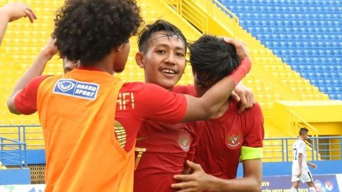 emain-timnas-u-18-indonesia-merayakan-kemenangan.jpg