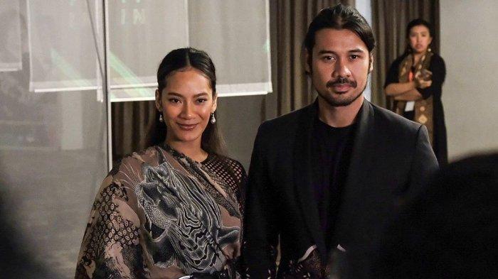 Chicco Jerikho dan Tara Basro menghadiri acara konferensi pers Festival Film Indonesia 2019 di Tribata, Kebayoran, Jakarta Selatan, Senin (23/9/2019) malam.