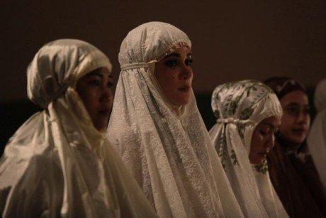 Film Suzanna: Bernapas Dalam Kubur 1
