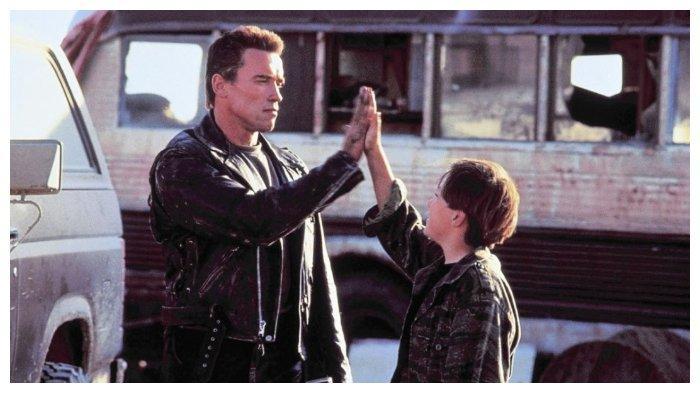 Sinopsis Terminator 2 Judgement Day Aksi Arnold Schwarzenegger Jadi Robot Malam Ini 22 00 Di Gtv Tribunnewswiki Com Mobile