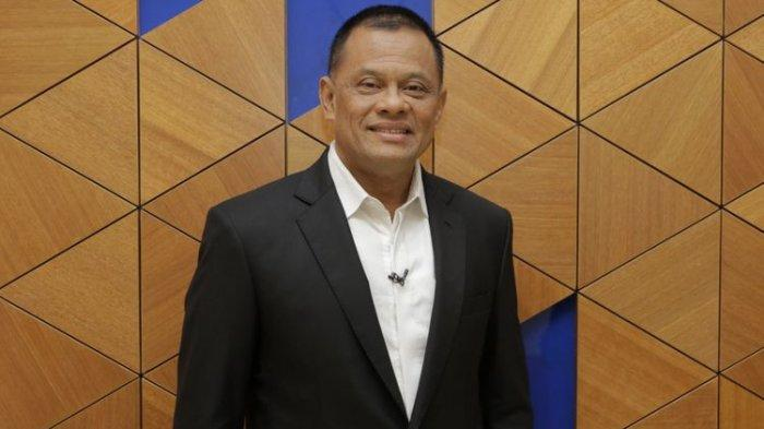 Jenderal TNI (Purn) Gatot Nurmantyo berpose sebelum menjadi narasumber di acara Satu Meja The Forum di studio satu Kompas TV, Menara Kompas, Jakarta, Senin (23/4/2018).(KOMPAS.com/RODERICK ADRIAN MOZES)