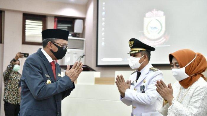 Gubernur Sulsel Nurdin Abdullah dan Penjabat Wali Kota Makassar Prof Yusran di Balai Kota Makassar, Rabu (13/5/2020).