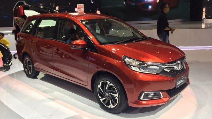 Salah satu produk mobil yang diproduksi Honda.
