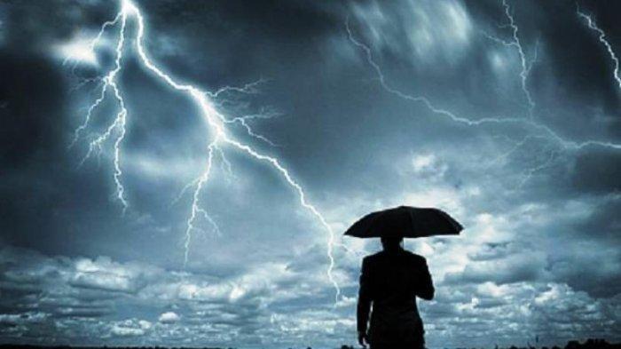Ilustrasi hujan disertai petir atau kilat