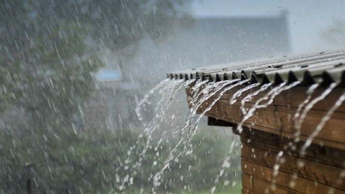 Ilustrasi, di musim hujan seperti ini diperlukan cara yang tepat untuk mengamankan rumah dari angin kencang dan hujan lebat