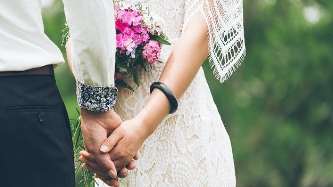 ilustrasi-pernikahan-pengantin-pria-dan-pengantin-wanita.jpg