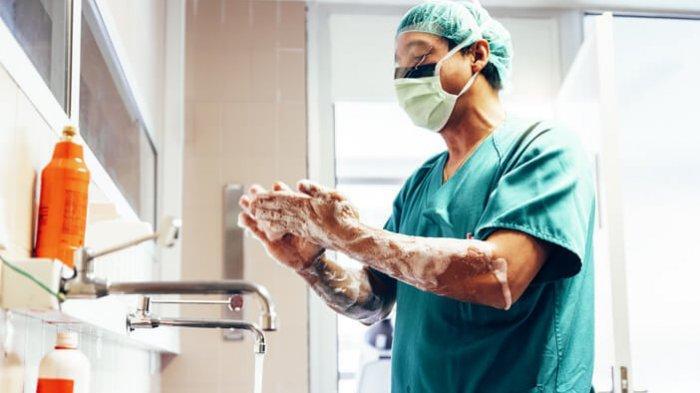 Infeksi nosokomial disebabkan oleh bakteri yang ada di rumah sakit