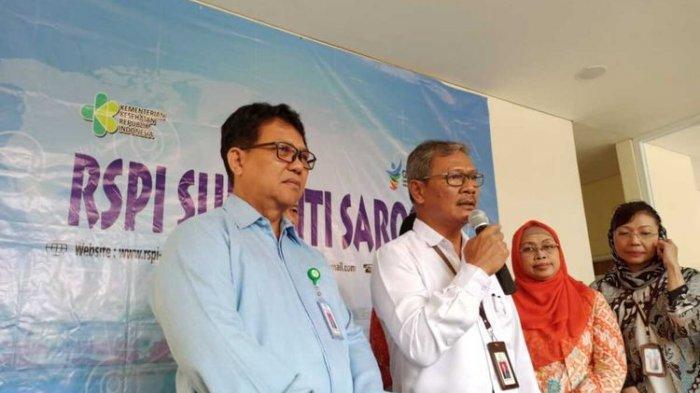 Jajaran direksi RSPI Sulianti Saroso dan Juru Bicara Penanganan Corona Achmad Yurianto di RSPI Sulianti Saroso, Jakarta Utara, Rabu (4/3/2020).(KOMPAS.COM/DEAN PAHREVI)