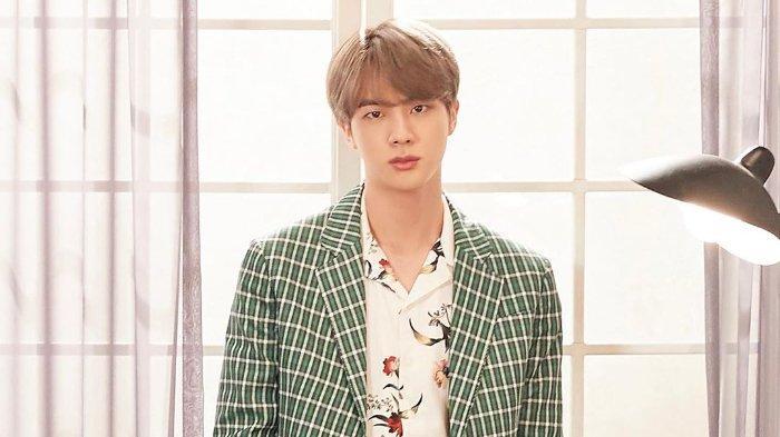 Kim Seok Jin atau Jin BTS.