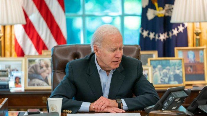 Presiden Amerika Serikat, Joe Biden berbicara dengan Presiden Palestina Mahmoud Abbas dan menyampaikan komitmennya untuk memperkuat kemitraan AS-Palestina Minggu (16/5/2021).