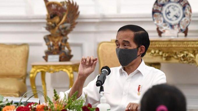 ILUSTRASI - Presiden Jokowi pikirkan 3 sanksi bagi masyarakat yang tak patuhi protokol kesehatan.